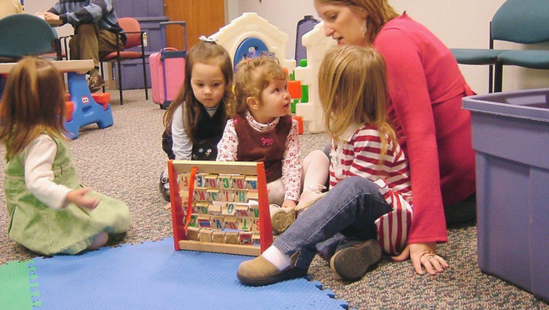 למה חשוב לשחק עם ילדים – סקירת מאמר